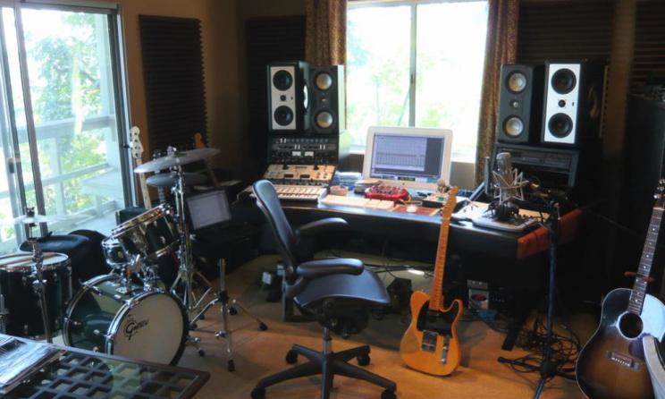 Home studio (c) www.gearslutz.com