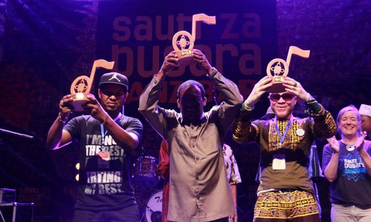 "Rico Singel, Culture Musical Club et Tunaweza, les gagnants du concours ""Songs Peace Competion"" (ph) Masoud Khamis"