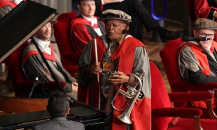 Photo: Suzy Harrison (www.hughmasekela.co.za)