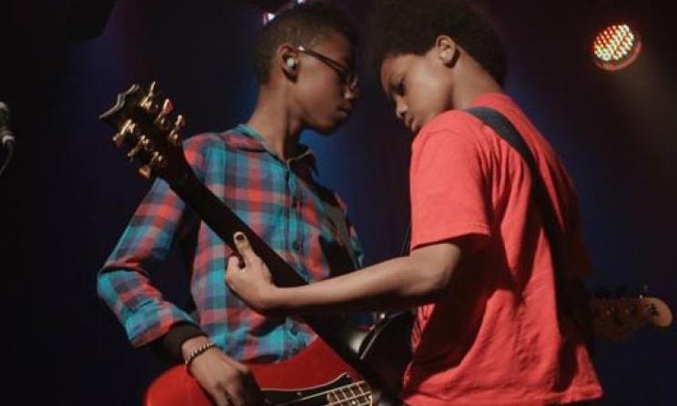 Il est important d'inclure les cours de musique dans les programmes scolaires (ph) imgarcade.com