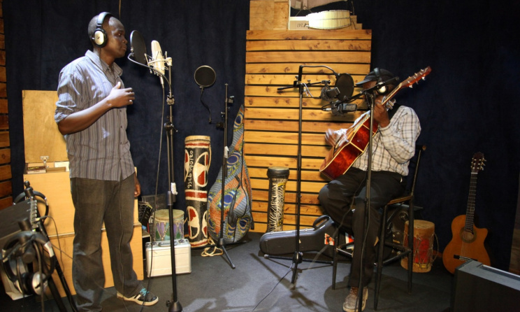 Artists during a recording session. Photo: www.singingwells.org