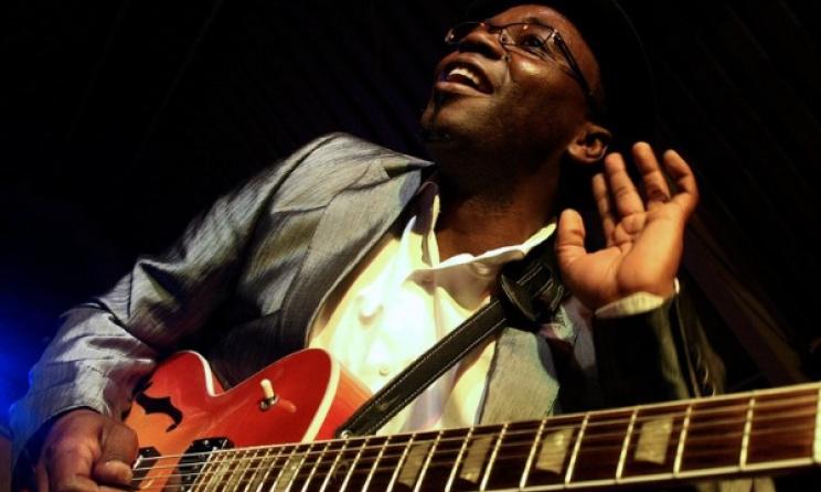 Mozambican guitarist Jimmy Dludlu. Photo: khwambels.wix