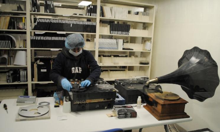 Preservation and recording of tapes at Fonoteca Nacional, the National Sound Archive of Mexico. Photo: en.wikipedia.org