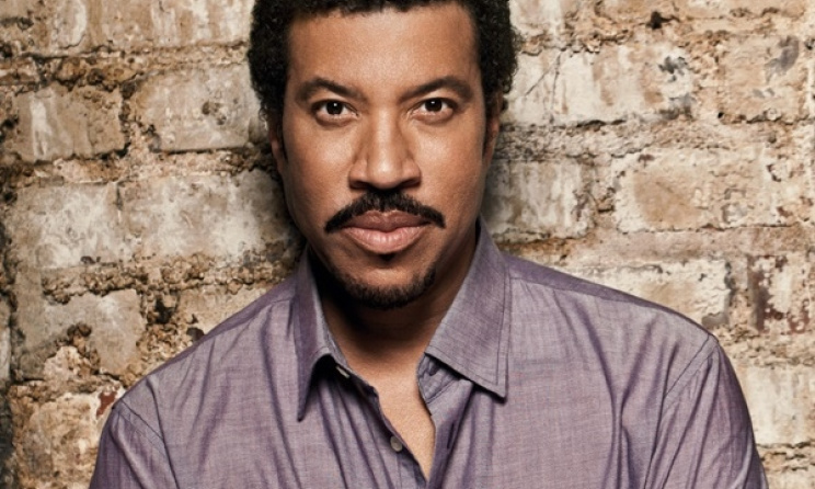 American artist Lionel Richie will tour South Africa in March 2016.