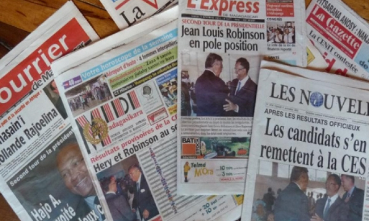 Popular newspapers in Madagascar. Photo: www.fiiser.com