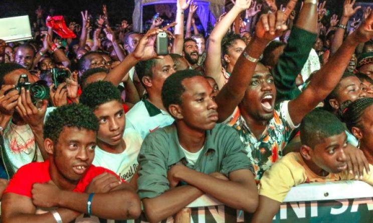 Night-time audiences at Sauti za Busara 2015. Photo: Link Reuben