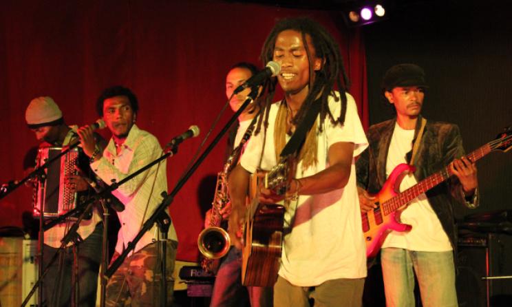 Le groupe Reggasy à la 2ième édition (2014) de Fianar reggae Festival. Photo: craam.mg