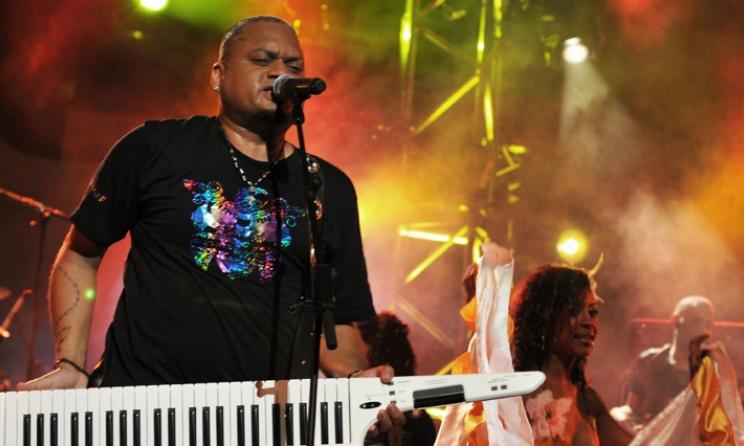 Alain Ramanisum lors d'un concert. Photo: azanda.re