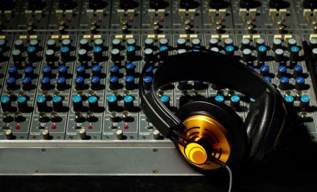 studio de musique (c) www.forwallpaper.com