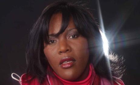 Alexia Waku. (ph) www.myspace.com