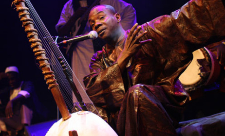 Toumani Diabaté (Photo: www.toumani-diabate.com)
