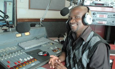 Lloyd Phiri of MIJ (Malawi Institute of Journalism) Radio. Photo: blog.worldvision.org