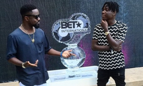 Ghanaian stars Stonebwoy (right) and Sarkodie at the recent BET Awards in the USA. Photo: Facebook