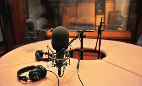 studio radio (ph)unesco.org