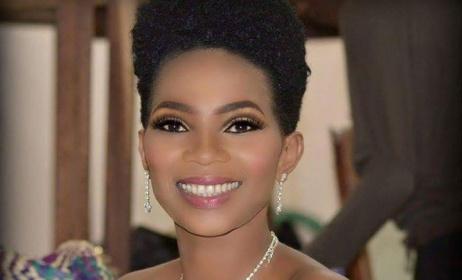 Lady Ponce. (ph) Durel Make-up