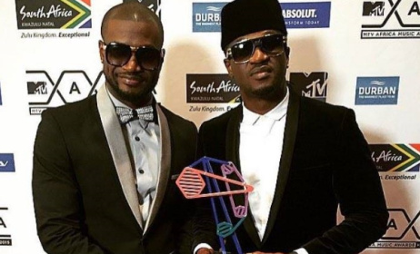 P-Square with one of the their two MAMA 2015 trophies.