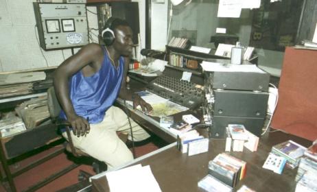 Inside the Radio Syd studio, circa 2000. Photo: Henryk Kotowski/commons.wikimedia.org