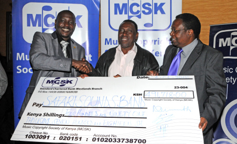 MCSK awarding royalties to artists. Photo: www.cipitblog.wordpress.com