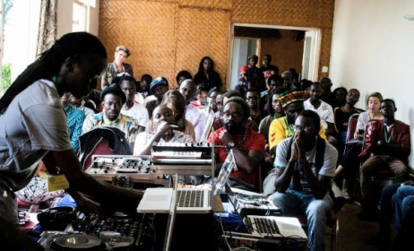 A workshop with Santuri Safari at DOADOA in Uganda in 2014. Photo: DOADOA