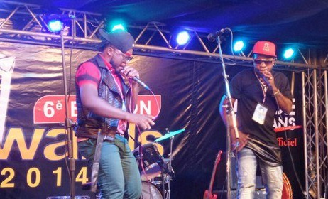 Les artistes Mapipo et Yoro Swagg aux Ndule Awards édition 2014. (ph) Voila Night