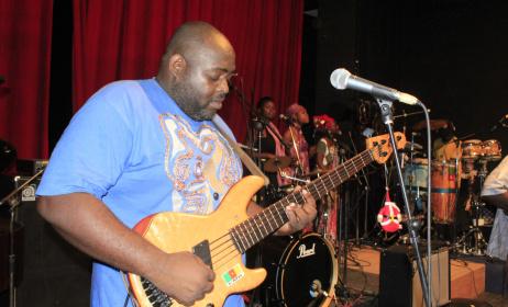 Serge Maboma, leader du groupe Macase. (ph) CulturEbene.