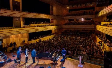 The opening concert of WOMEX 15. Photo: Yannis Psathas