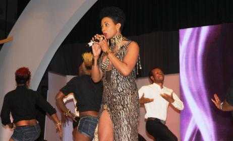 Lady Ponce, l'artiste camerounaise sera au Festi-Bikutsi 2015. (ph) Kamer Moov