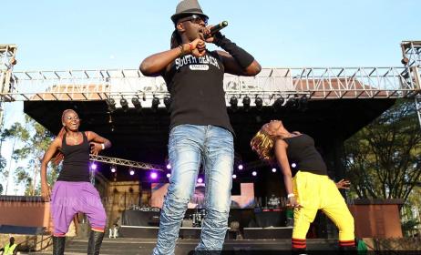 Kenyan artist Nameless on stage. Photo: www.niaje.com