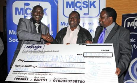 MCSK hands over royalties to Safari Sounds band. Photo: Africanhiphop.com