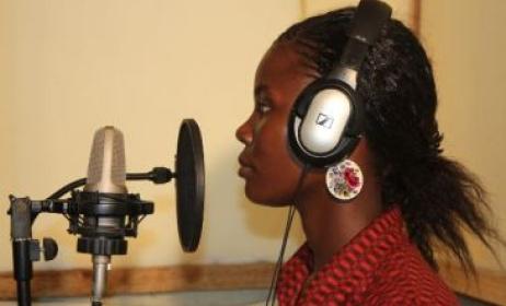 Talent lors d'une session d'enregistrement. Photo: www.kefapro.blogspot.com