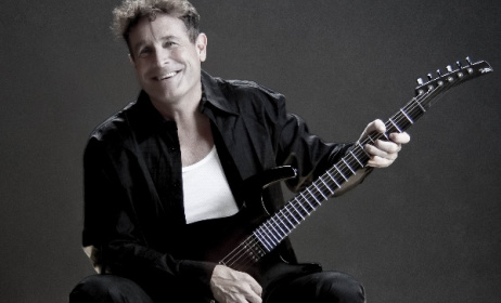 Johnny Clegg will perform in Phokeng, South Africa to raise funds for young students.