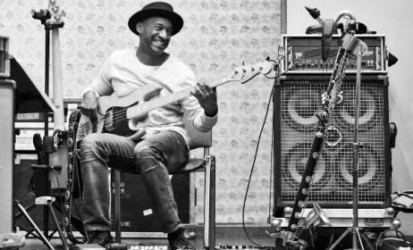 Le bassiste et compositeur américain Marcus Miller. (Ph) forums.ernieball.com