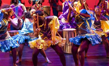 Dancers from Kenya. Photo: www.starlink-travel.com