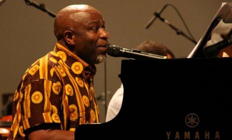 Ray Lema sera au JazzKif en juin à Kinshasa (RDC). Photo: afroguinnee.com
