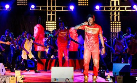 Le groupe Toofan sur scène