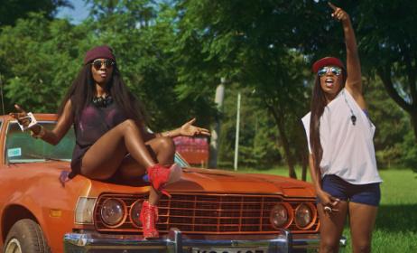 Wahu & Cindy sur le clip vidéo de Yeye