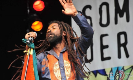 Ghanaian reggae artist Rocky Dawuni. Photo: Deutsch-Türkisches Forum Stuttgart Facebook page