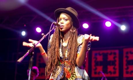Akua Naru on Stage at Bayimba Festival. Photo by Twenty  Moments.
