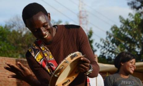 A participant at a music project in Malawi. Photo: www.music-crossroads.net