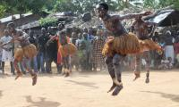 Danse traditionnelle (ph) www.nomade-aventure.com