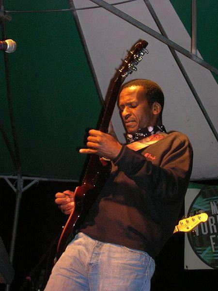 Gift amuli louis mhlanga music in africa negle Choice Image